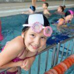 Dziewczyna na basenie